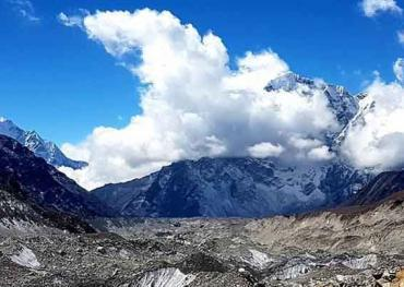 Trekking to Everest Base Camp and Khumbu